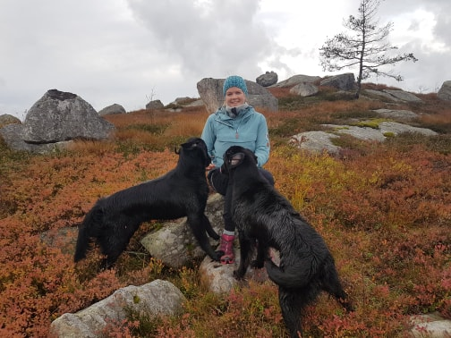 Inger Helen og hundene